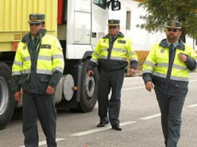 2 guardia civil control