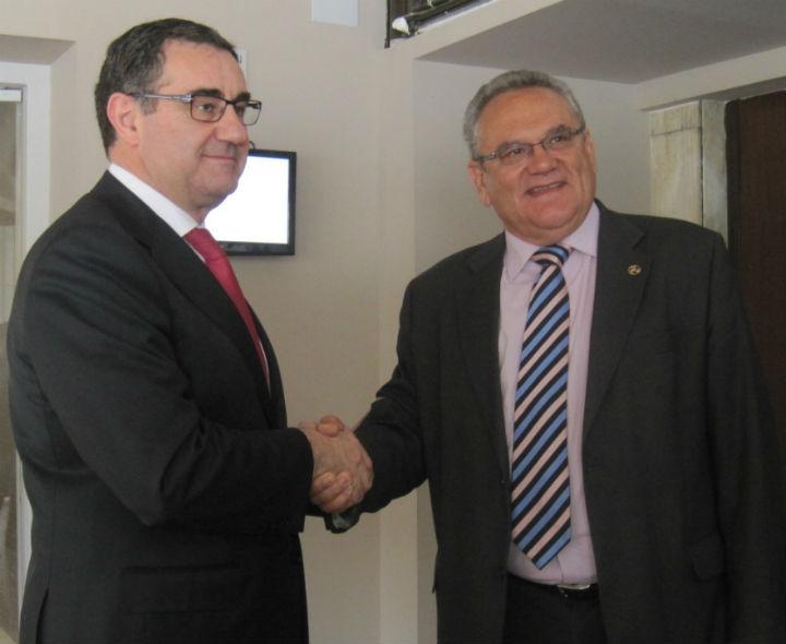 Carmelo González junto a Ovidio de la Roza, anterior presidente de Conetrans